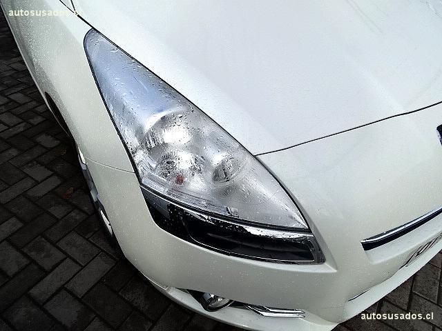 Autos Kovacs Peugeot 5008 2012