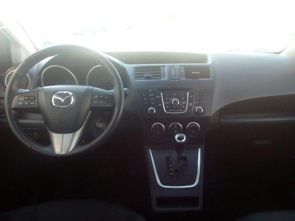 Autos AyR Automotriz Mazda 5 v 2.0 aut 2015