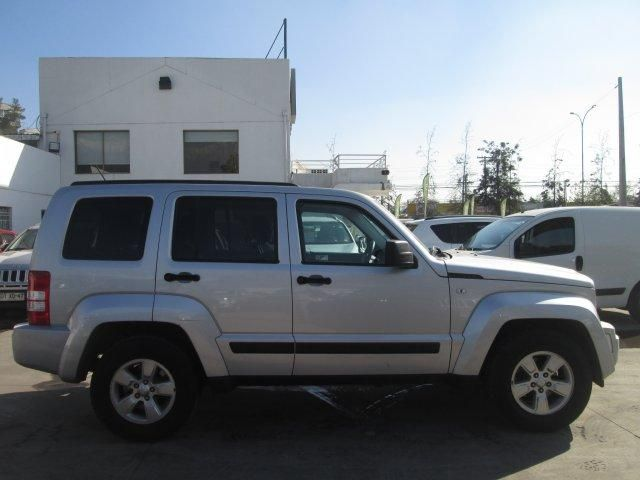 jeep cherokee sport 3.7 aut