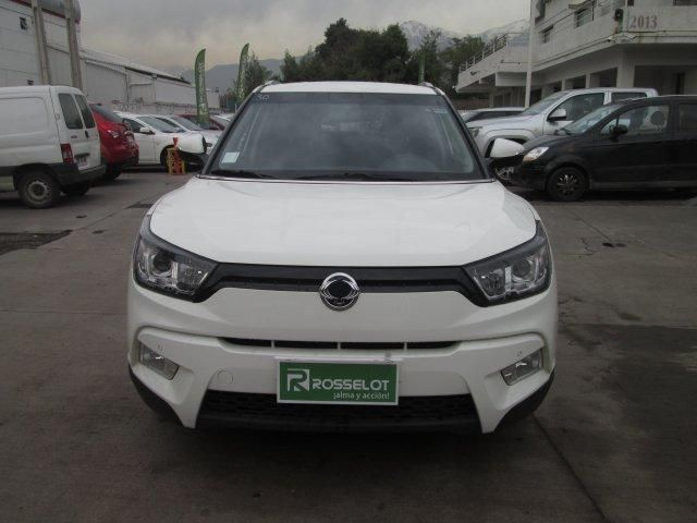 Autos Rosselot Ssangyong Tivoli gas 4x2 1.6 at tv1111  2016