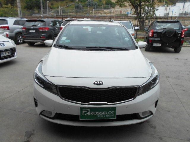 Autos Rosselot Kia New cerato 5 ex 1.6l 6at ac - 1723 2017