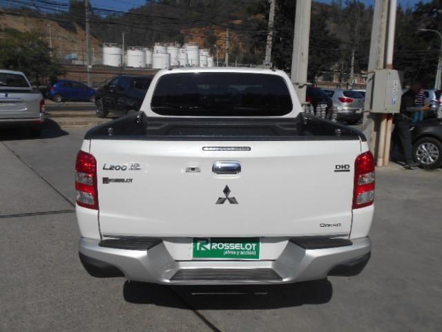 Camionetas Rosselot Mitsubishi L200 su d/c 4x4 2.4 td dakar crs at hp 2017