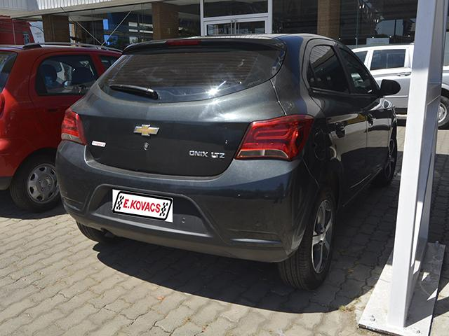 Furgones Kovacs Chevrolet Onix ltz 2018