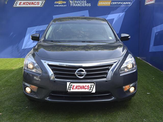 Autos Kovacs Nissan Altima sv 2014