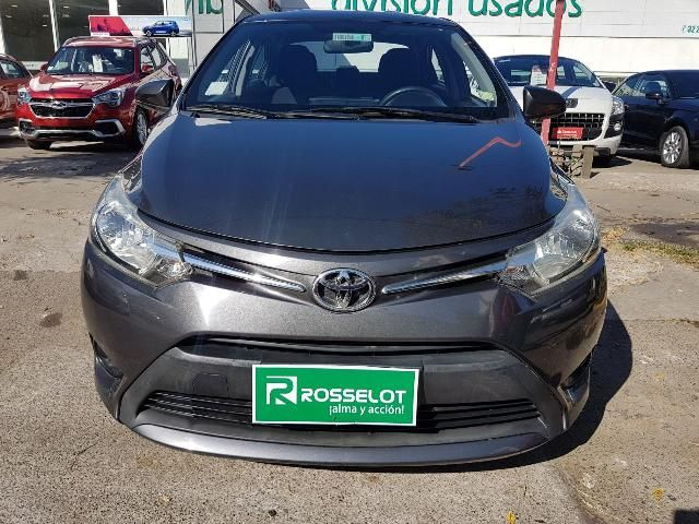 Autos Rosselot Toyota Yaris gli 1.5 mec a/c 2015