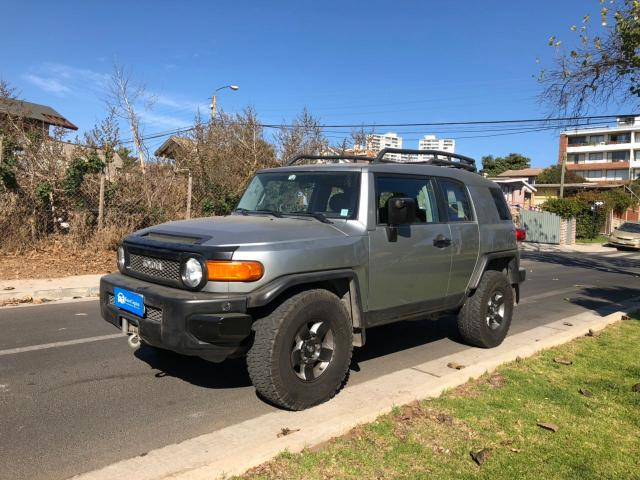 Toyota fj cruiser awd 4.0 at