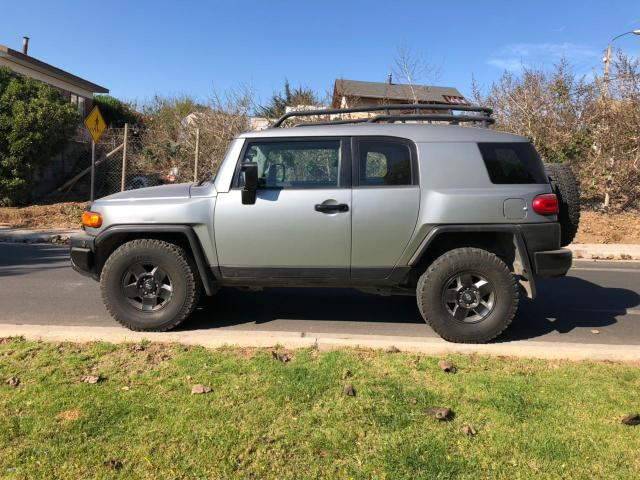 Camionetas Automotora RPM Toyota Fj cruiser awd 4.0 at 2010