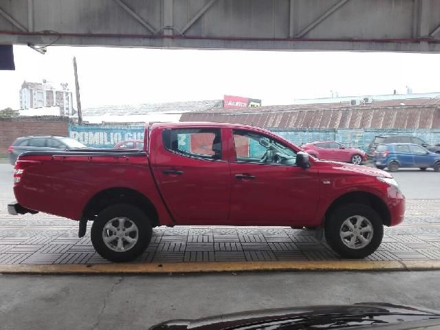 Camionetas Rosselot Mitsubishi L200 d/c 2.4 katana crm 4x4 2017