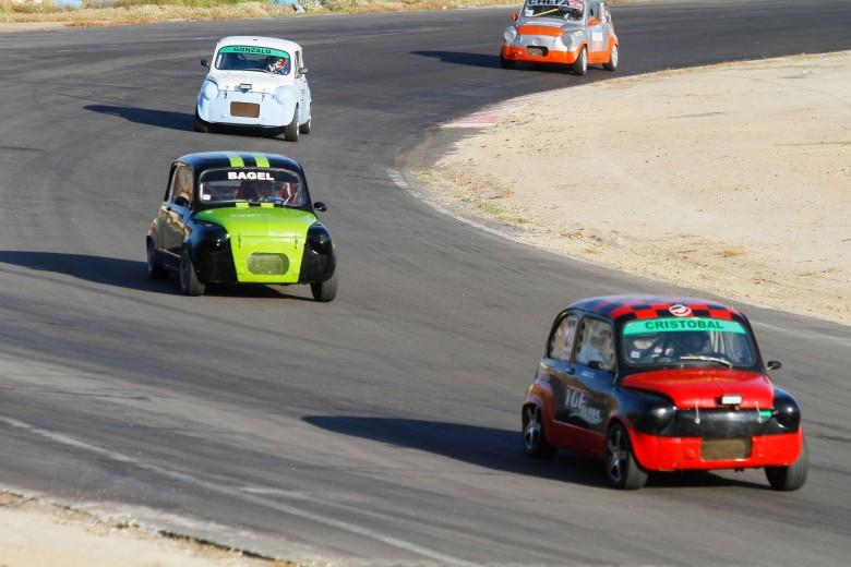 Carreras de autos en Villa Olímpica de Quilpué.
