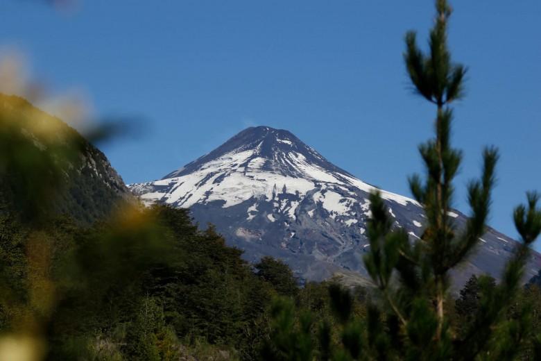 Pucón en Alerta amarilla por actividad sismica en volcán Villarrica.