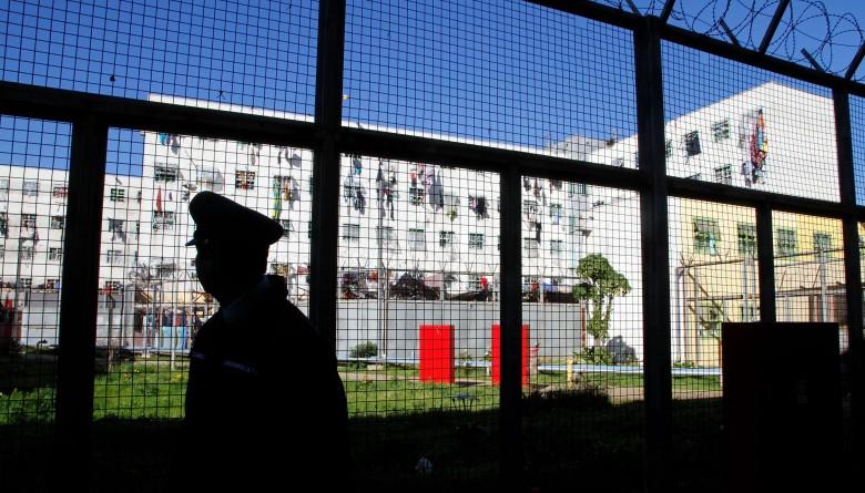 Gendarmería frustró fuga en la cárcel de Valparaíso: antes un camión había cortado la energía.