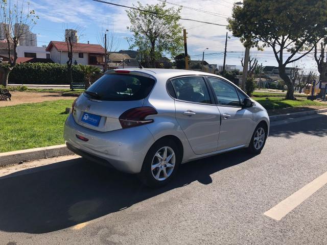 Peugeot 208 active hdi 1.6 diesel