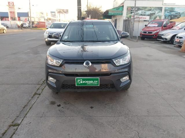 ssangyong tivoli gas 4x2 1.6 mt tv1011