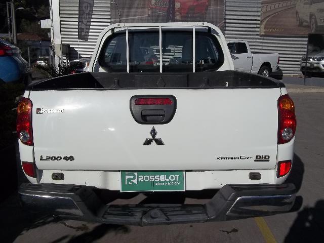 Camionetas Rosselot Mitsubishi L200 d/c td katana 4x4 crt cc  euro v 2015