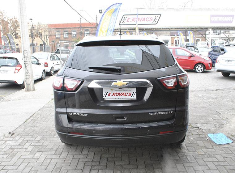 chevrolet traverse lt