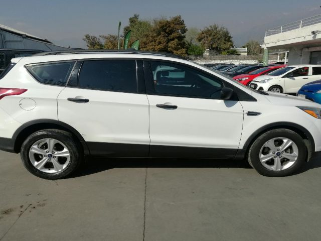 ford escape lxt at 2.4