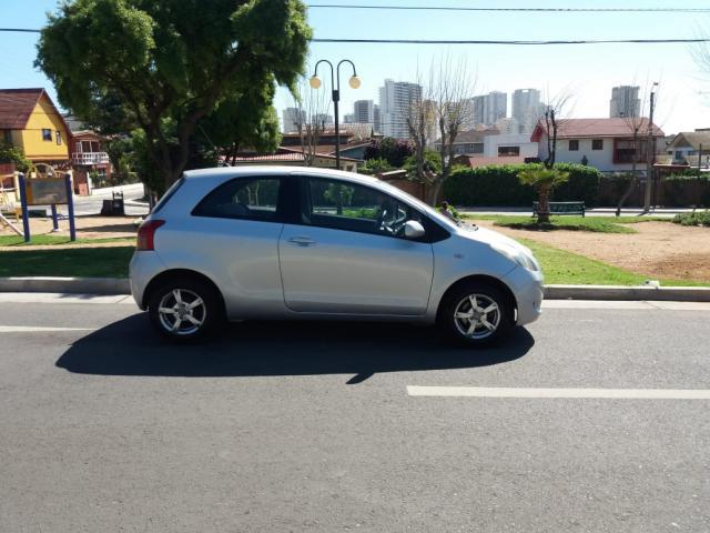 Toyota yaris sport gli 1.3 automatico
