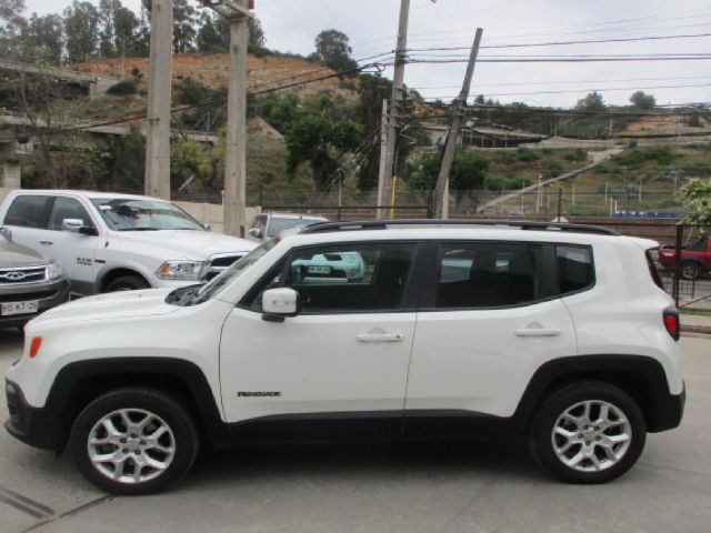 chrysler renegade longitud 4x4 at 2.4