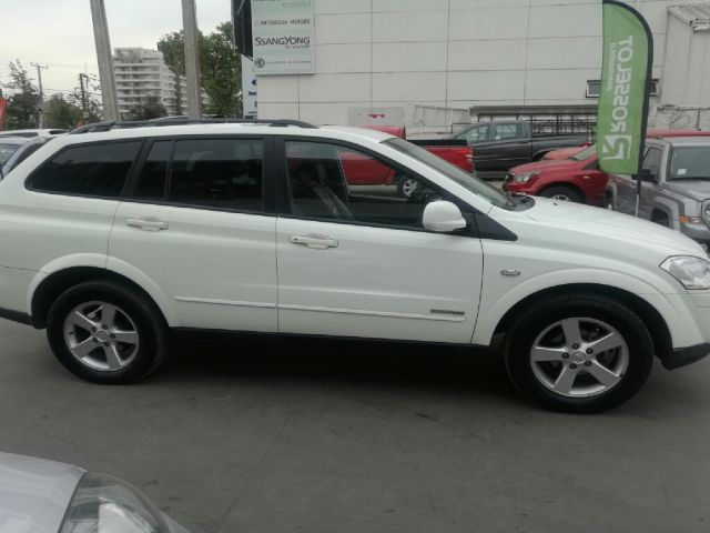 ssangyong new kyron xdi 4x4 2.0 at ky521