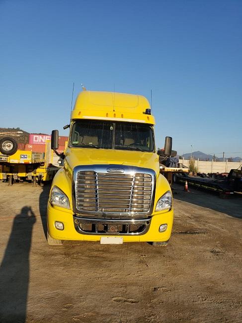 Camiones Automotora Rodríguez FREIGHTLINER Cascadia 2013