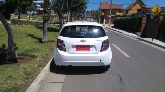 Chevrolet sonic ii lt 1.6