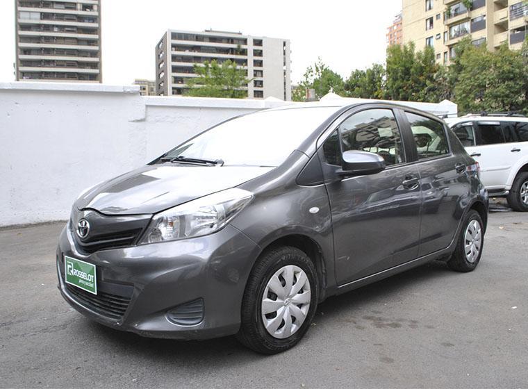 Autos Rosselot Toyota Yaris xli 2014