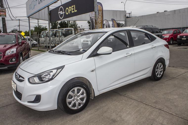 Autos Kovacs Hyundai Accent rb gl 1.4 2014