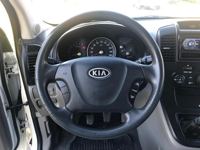 Kia new carnival lx 2.7 3f