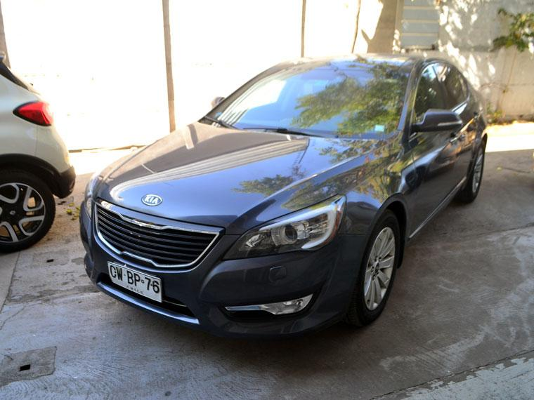 Autos Kovacs Kia Cadenza v6 2011