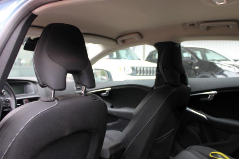Autos Rosselot Volvo V40t4 comfort mec 2014