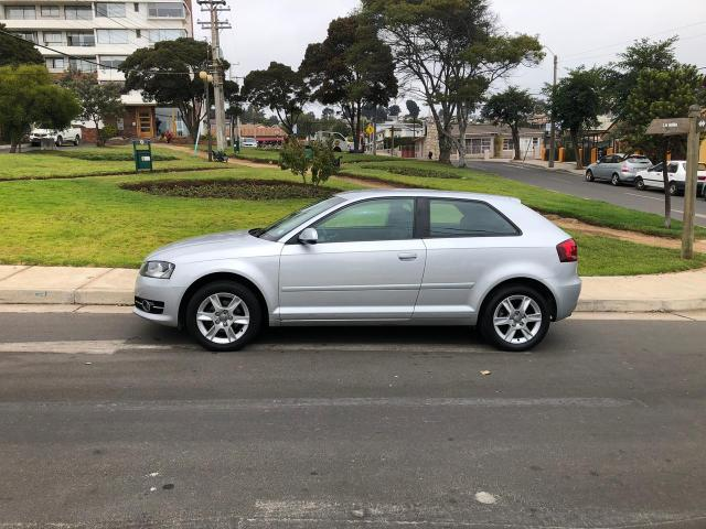 Audi a3 1.2 turbo s tronic attraction