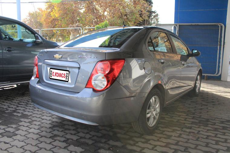 chevrolet sonic lt 1.6 at