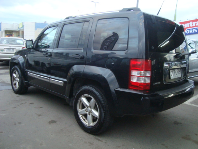 jeep cherokee liberty limited 3.7 aut