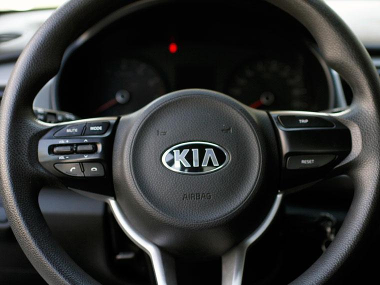 kia rio-4 ex 1.4 mt