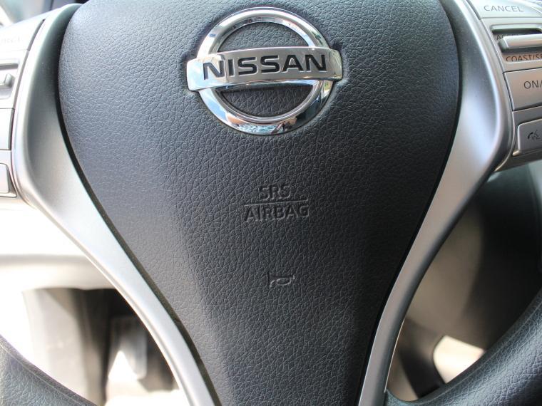 nissan np300 2.3