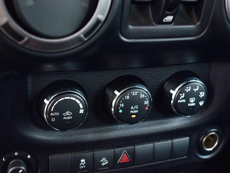 jeep wrangler sport 4x4 3.6 aut