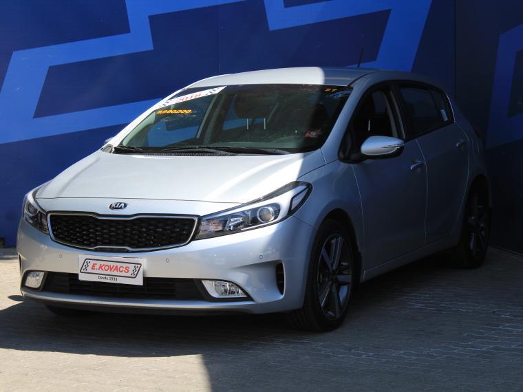 Autos Kovacs Kia Cerato-5 ex 1.6 a/c mt 2018