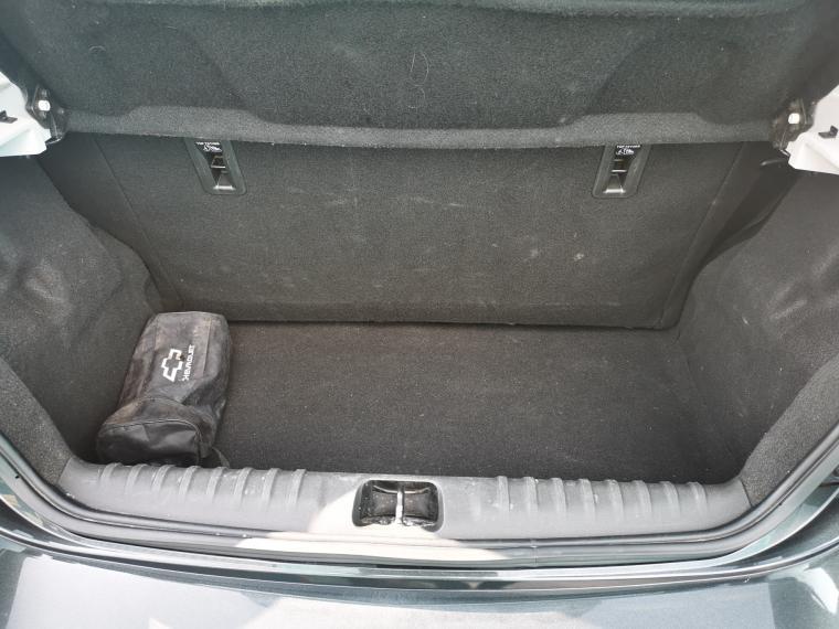 chevrolet onix hatch back 1.4 ac pt